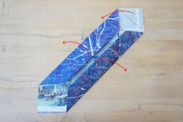 Step 7: Lift both sides and one end of the model to make it three-dimensional